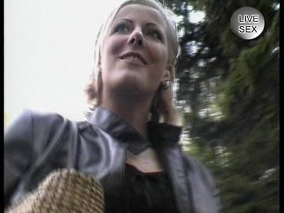 Blonde deutsche Sexschlampe will seinen dicken Pimmel