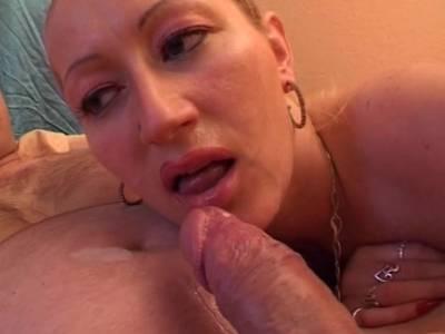 Die XXL-Titten der Blonden Deutschen